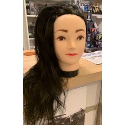 Gyakorló babafej szintetikus hajjal (40-45cm) asztali tartóval együtt